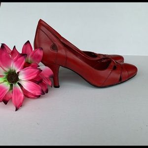 Connie Red Heels Sz 8